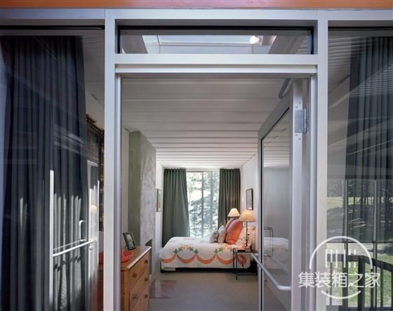 bedroom-tdy-home-inline_c82b5f11d0b2f66f4d2c9b16a5ce44d0.fit-560w.jpg