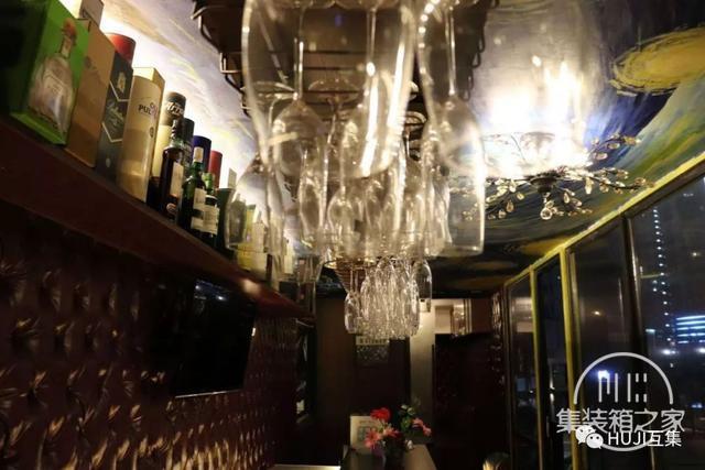这家开在办公园区的集装箱酒吧,漫游在微醺和艺术的自由空间里-17.jpg