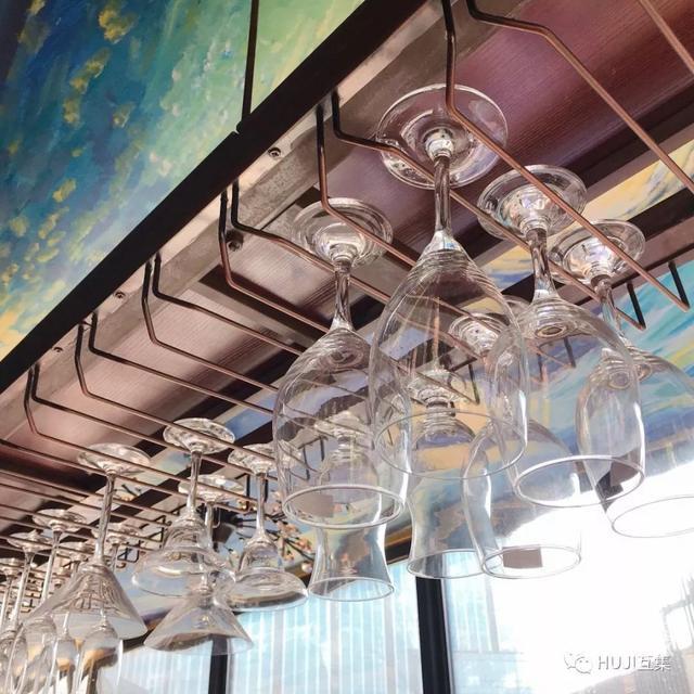 这家开在办公园区的集装箱酒吧,漫游在微醺和艺术的自由空间里-24.jpg