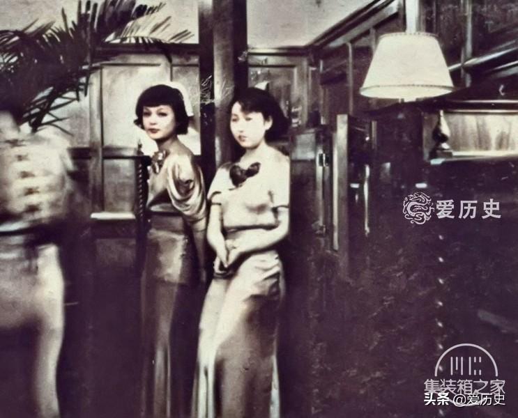30年代西化后蔑视亚洲邻国的日本 奢华咖啡厅里百里挑一的女招待-7.jpg