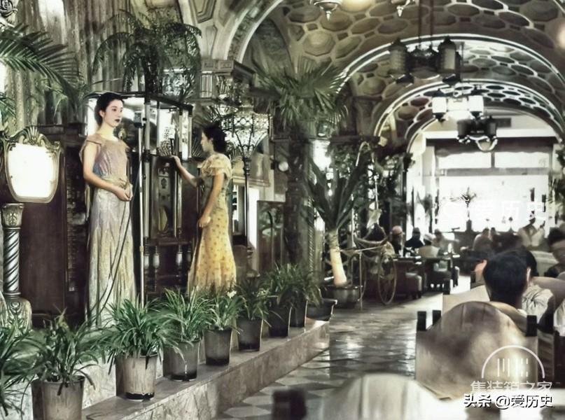 30年代西化后蔑视亚洲邻国的日本 奢华咖啡厅里百里挑一的女招待-6.jpg
