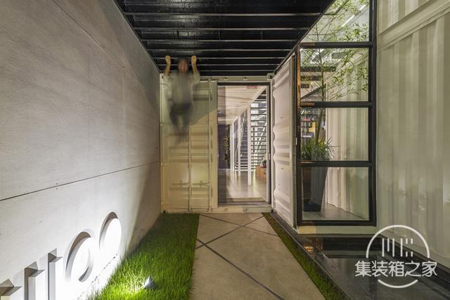 酷炫工业风 模块与美学并存的巴西集装箱可持续办公建筑设计欣赏-3.jpg