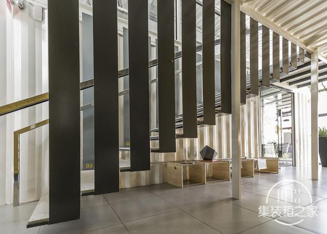 酷炫工业风 模块与美学并存的巴西集装箱可持续办公建筑设计欣赏-17.jpg