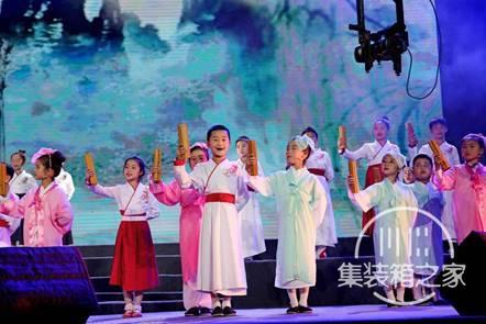 第二届成都诗歌音乐节在成华区完美世界文创公园开幕-3.jpg
