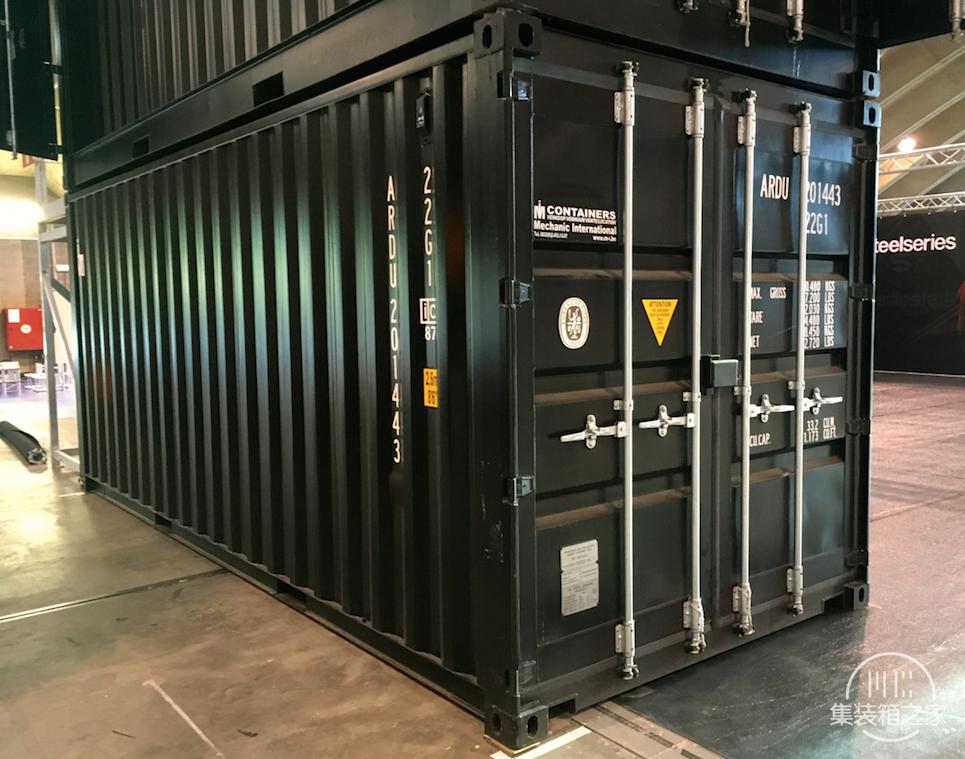 利用集装箱改造移动公司展台应用案例-3.jpg