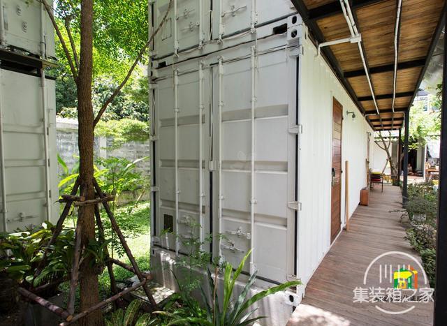 曼谷受欢迎集装箱旅馆--The Yard Hostel-6.jpg