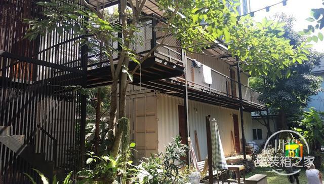 曼谷受欢迎集装箱旅馆--The Yard Hostel-7.jpg