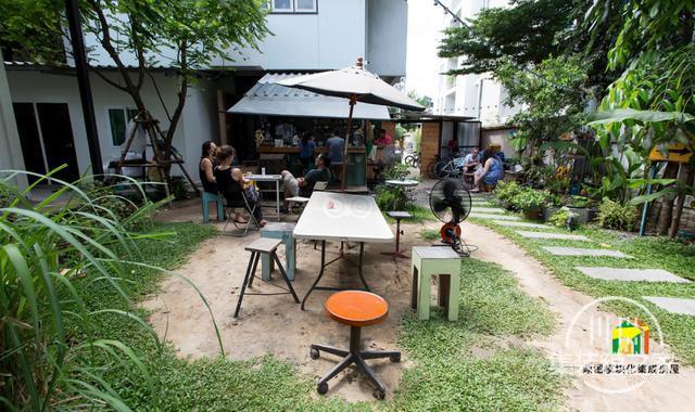 曼谷受欢迎集装箱旅馆--The Yard Hostel-30.jpg