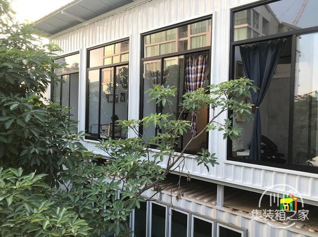 曼谷受欢迎集装箱旅馆--The Yard Hostel-25.jpg