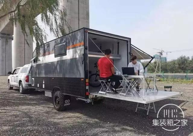 这款拖挂房车给了用户许多后期改装的空间-13.jpg