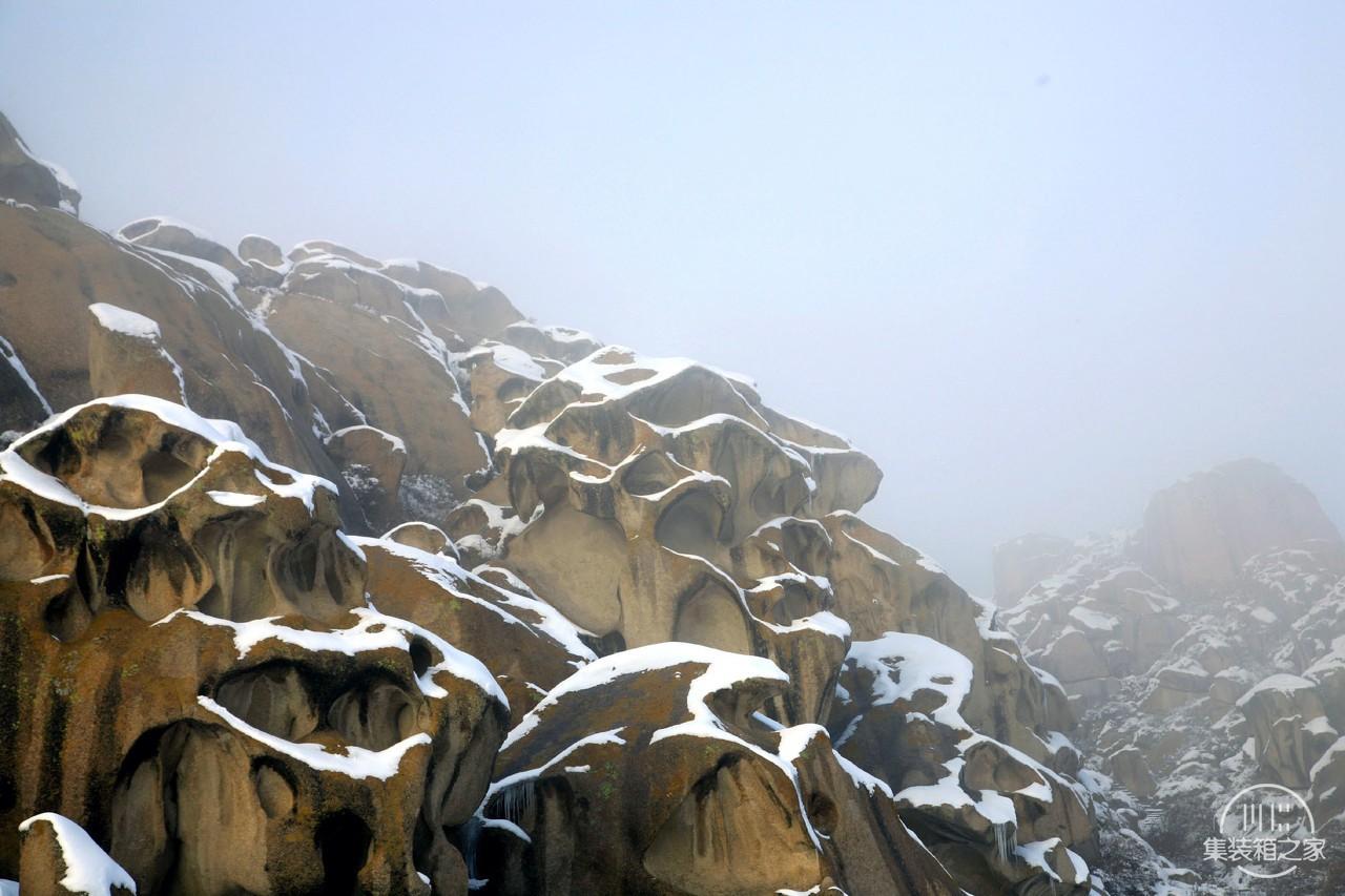 它是全国唯一的一座天然攀岩山体,山石千奇百怪各自成形-2.jpg