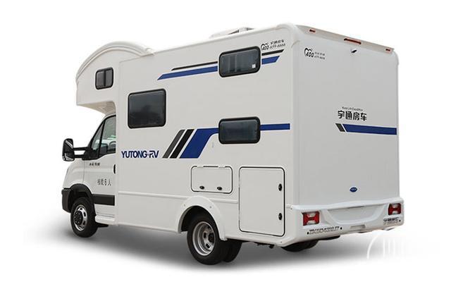 性价比很高的大空间房车,售价41.28万,采用的是依维柯欧胜底盘-3.jpg