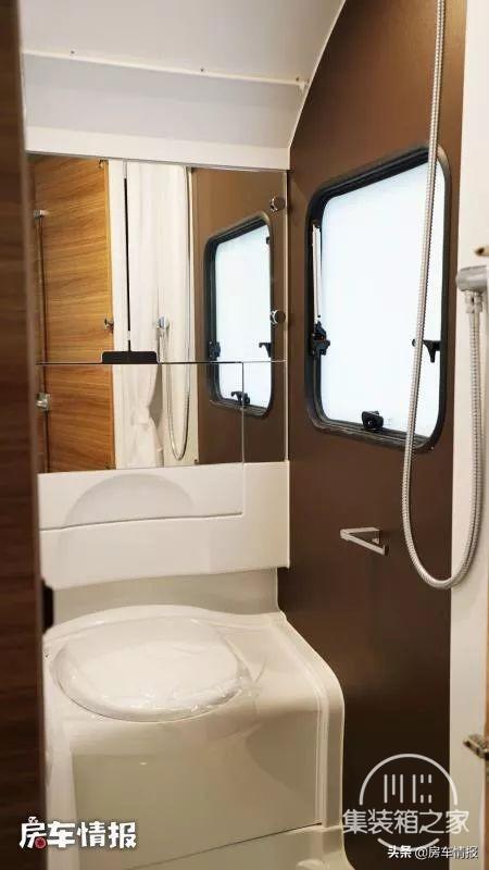 25.8万元起售,这款进口房车一室一厅能住4口,面积达到10.1平米-13.jpg