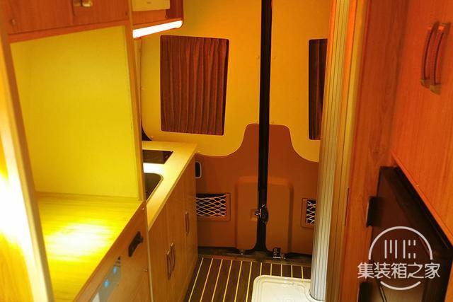 400Ah锂电+160L水箱,奔驰血统B型房车售价30万出头-9.jpg