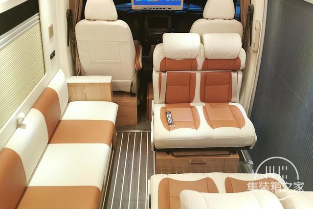 400Ah锂电+160L水箱,奔驰血统B型房车售价30万出头-5.jpg