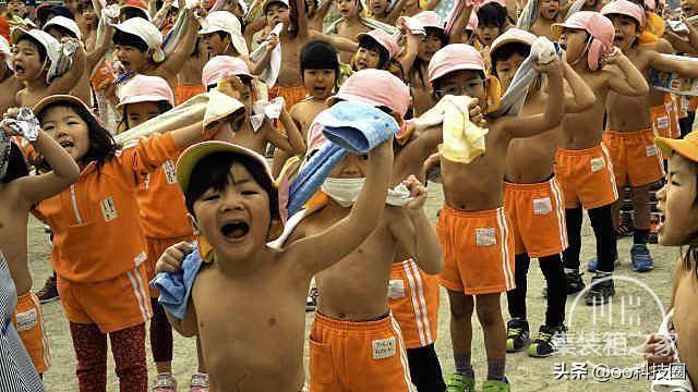 """日本幼儿园""""变态""""身体素质课,让孩子种地淋雨,野蛮生长-1.jpg"""