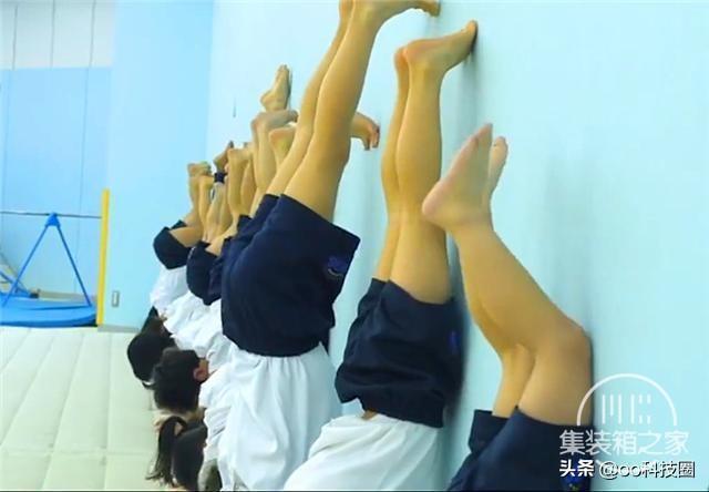 """日本幼儿园""""变态""""身体素质课,让孩子种地淋雨,野蛮生长-4.jpg"""