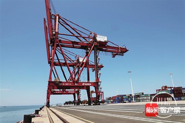 """洋浦港逆势""""引航"""":一季度外贸集装箱吞吐量增172.2%-1.jpg"""