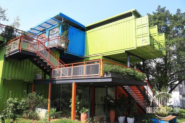 盖房子还用钢筋水泥?用集装箱体盖房子,时尚结实还便宜,太划算-2.jpg