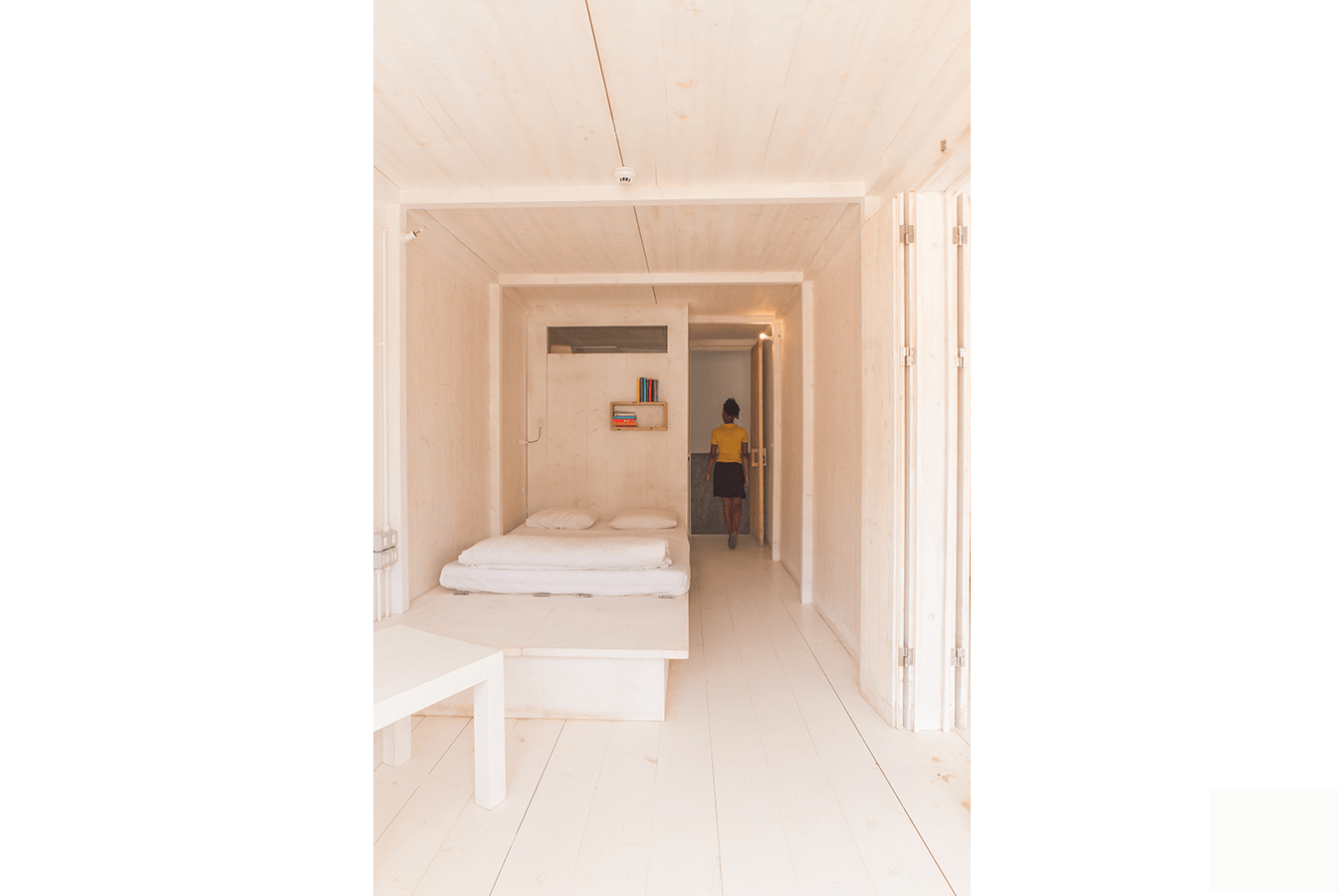 acquiles_eco_hotel_04_Ramos_Castellano_Architects_Room_2.png