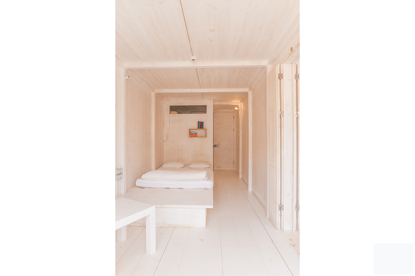 acquiles_eco_hotel_04_Ramos_Castellano_Architects_Room_3.png