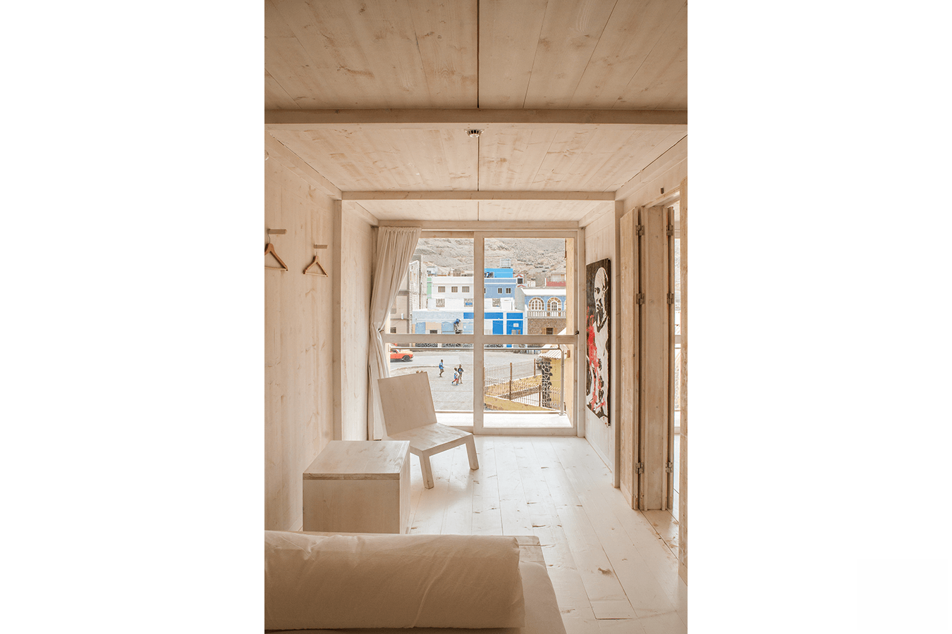 acquiles_eco_hotel_04_Ramos_Castellano_Architects_Room_1.png