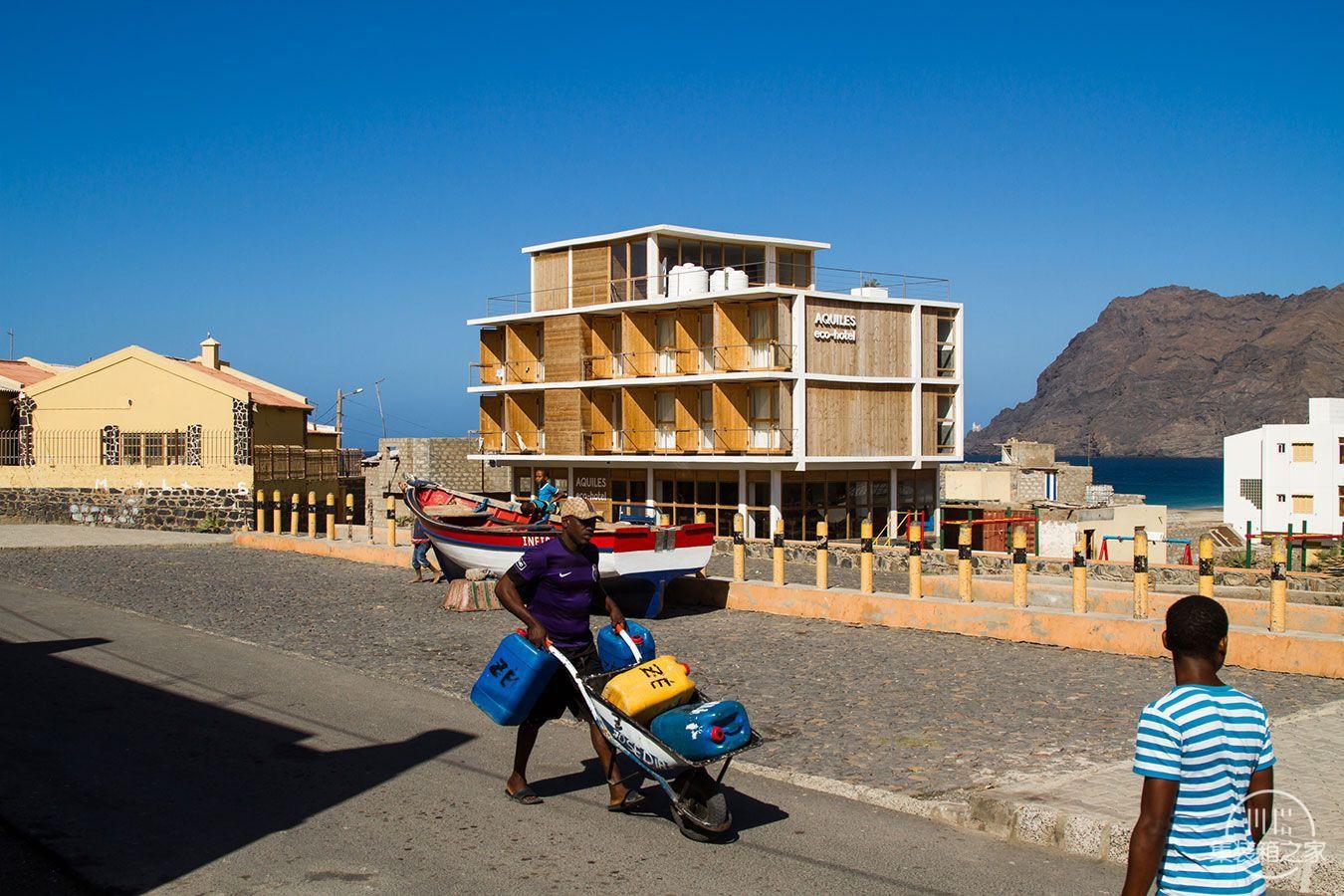 acquiles_eco_hotel_06_Ramos_Castellano_Architects.jpg