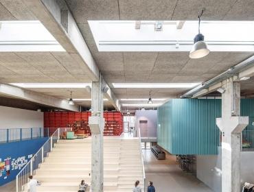 丹麦国民高等学校集装箱建筑