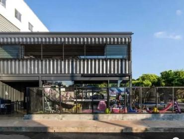 巴西的帕特斯·德米纳斯市集装箱牛排餐
