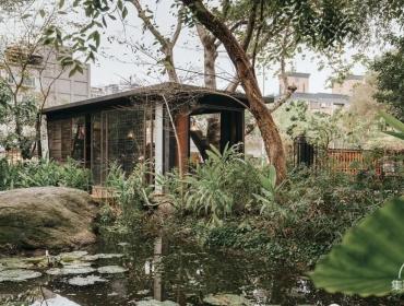 城市中的森林集装箱咖啡屋