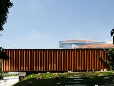 圣保罗的维拉区125平方米的集装箱建筑
