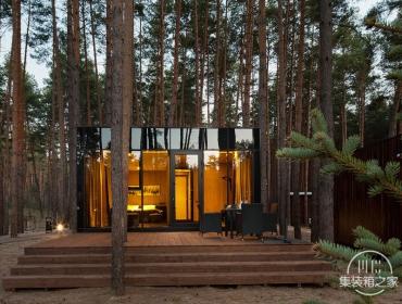散落在乌克兰林间的集装箱木质旅馆