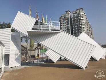 台湾省高雄市集装箱白色雕塑