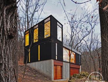 林中的集装箱别墅
