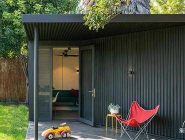 一个围场集装箱小屋